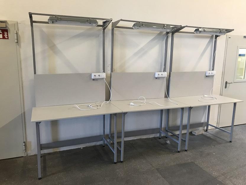 podświetlany stół montażowy