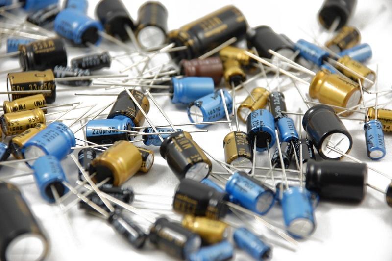 czym-sa-kondensatory