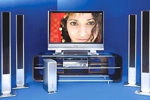 """Funkcja """"HDAVI Control"""" w zestawach kina domowego firmy Panasonic"""