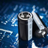 Czym są i gdzie stosuje kondensatory?