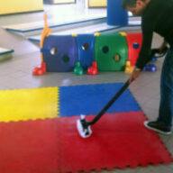 Dezynfekcja dywanów w przedszkolu – jak robić to dobrze?